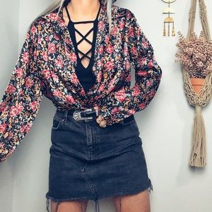 Vintage Tops - Vintage Floral Satin Button Down